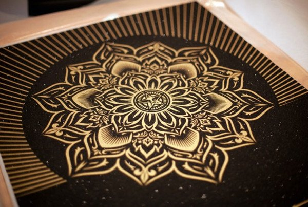 Shepard-Fairey-Obey-Lotus-Diamond-Black-and-Gold-Detail